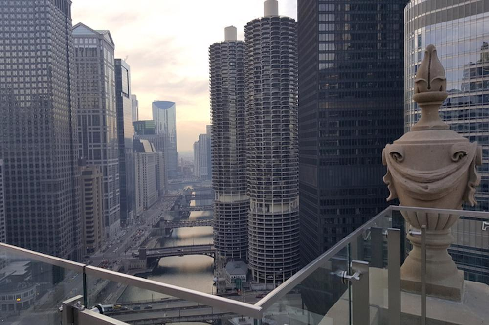 chicago hotels with rooftop bars