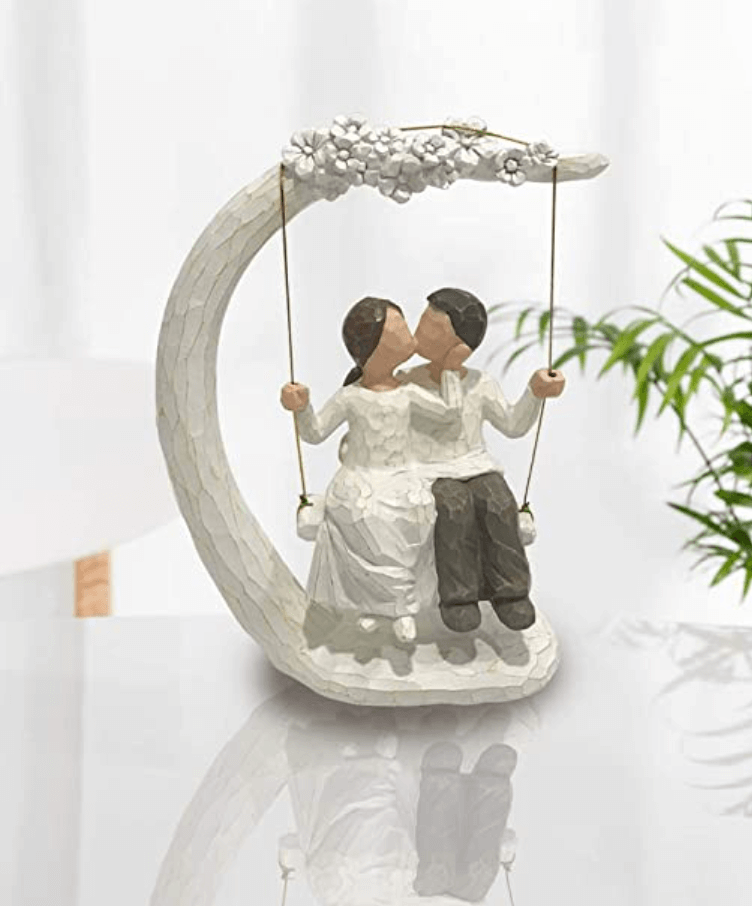 Hand Painted Lover Romantic Sculptures Figurines