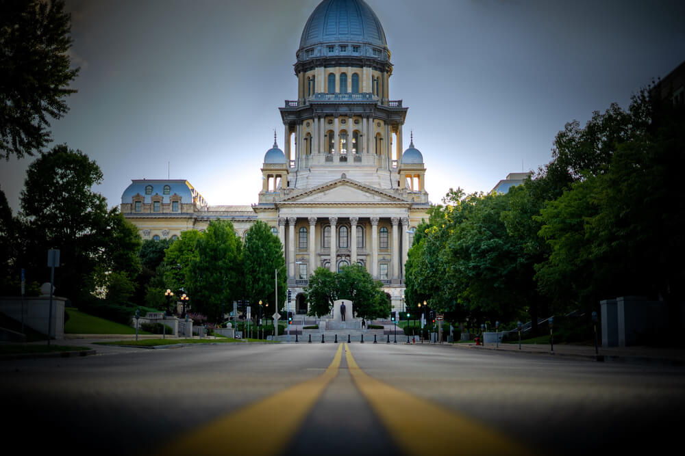 picture of Illinois capitol for article on governor Pritzker gambling change