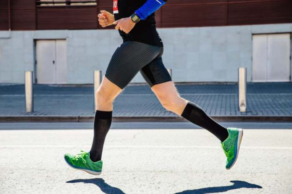 RONDO Men's Ultra-Thin Breathable Cotton Dress Socks